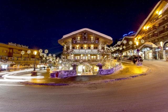 Courchevel night 0-368858