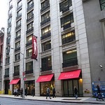 Barneys_New_York_resized
