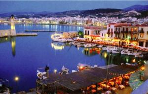 Crete Rethymnon-harbour-at-night