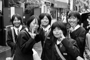 HPV vaccine Japanese_Schoolgirls