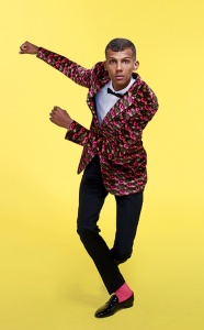 Stromae yellow